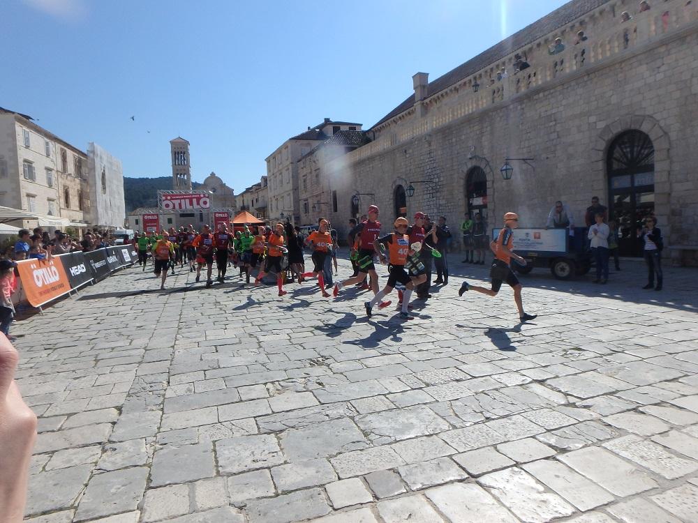 SwimRun Hvar - Start zum Sprint