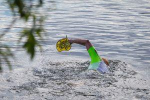 1. SwimRun Hof - Sprint, schwimmen mit Paddles