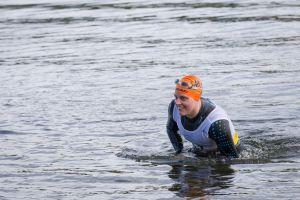 1. SwimRun Hof - Sprint, raus aus dem Wasser